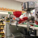 Macchine per la produzione di conserve: passapomodori, tappatrici.